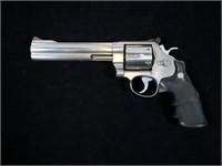 Smith & Wesson Model 629-3 Classic Stainless