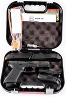 Gun Glock 17 Gen5 Semi Auto Pistol in 9mm NIB