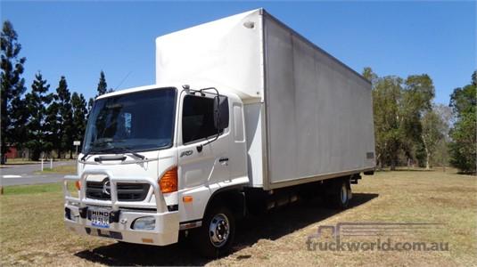 2004 Hino Ranger 6 FD - Trucks for Sale