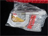 Starrett 14-18 screw thread micrometer in box,