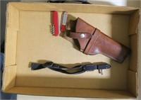 Lot, Lawrence leather holster #25, 2 pocket knives
