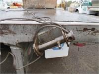 (DMV) 1992 Freightliner 16' Flatbed Truck