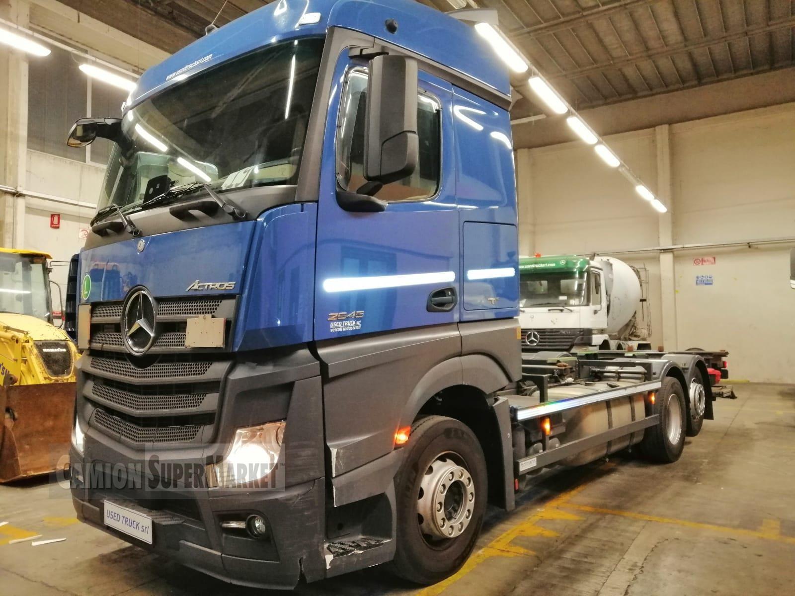 Mercedes-Benz ACTROS 2545 Uzywany 2015
