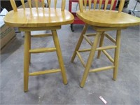"Pair 24"" Solid Wood Swivel Bar Stools EXC"
