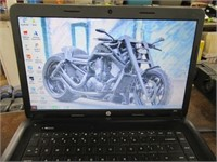 "15"" HP2000 Blue Laptop Computer Running Unlocked"