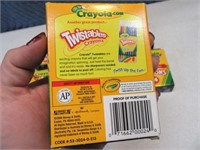 Lot (8) NEW 24pack Crayola Crayons