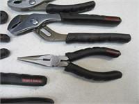 Lot (8) Hand Tools Pliers BULLDOG Exc