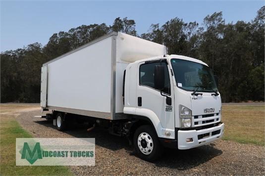 2009 Isuzu FSR 700 Long Midcoast Trucks  - Trucks for Sale