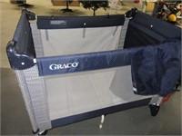 GRACO Classic PackNPlay Folding Playpen EXC
