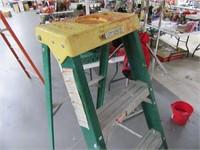 Davidson Fiberglass 6' Ladder 225lb