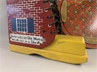 Retro Old Women Shoe-Bress Board