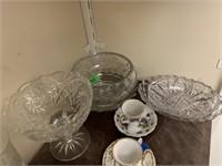 ENTIRE SHELF OF GLASSWARE MORE