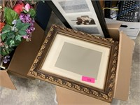 LARGE LOT OF FRAMES AND VARIOUS PRINTS