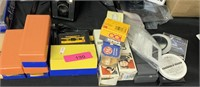 LOT OF VARIOUS RELATED CAMERA ITEMS / SLIDES