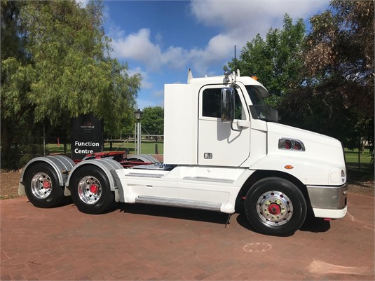 2011 Freightliner Century C(S/T)112 - Trucks for Sale
