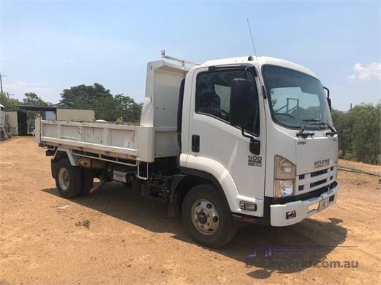 2015 Isuzu FRR500 - Trucks for Sale