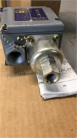 Square D Pressure Switch 55019 (3) NOS