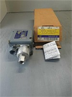 Industrial Pressure Switch with Original Box and