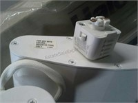 Halo Power-Trac Fixtures and Trac (Trac measures
