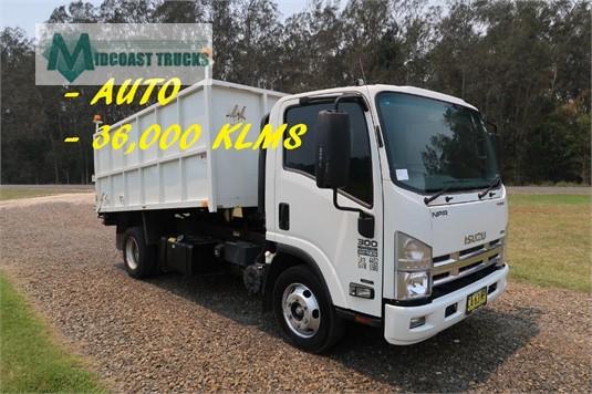 2014 Isuzu NPR 300 Medium Premium Midcoast Trucks  - Trucks for Sale