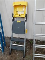 Cosco 6ft step ladder.