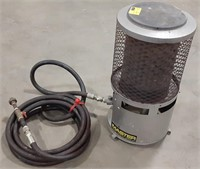Master 100,000 BTU natural gas heater with hose
