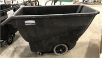 Rubbermaid Commercial cart