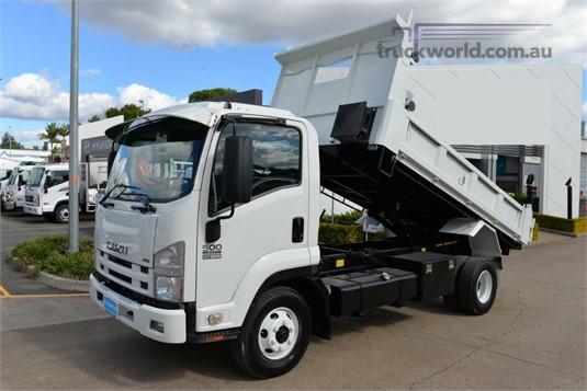 2009 Isuzu FRR 500 - Trucks for Sale