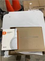 Box lot wireless keyboard, Bluetooth head phone
