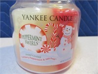 """New YANKEE Candles """"Peppermint"""""""