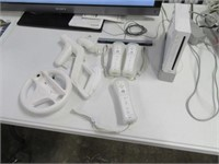 Wii Video Gaming Console w/ 8 Games & Remotes