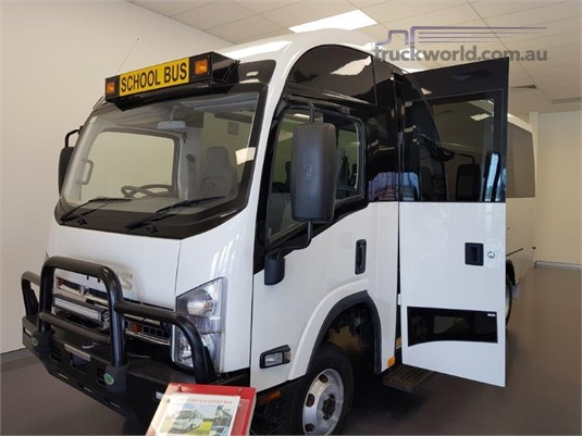 2017 Isuzu NPS300 4x4 - Buses for Sale