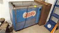 Vintage GE Pepsi-Cola Soda Machine.  No lid.