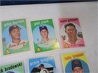 Lot (40) 50's era Baseball Sports Cards LOT3