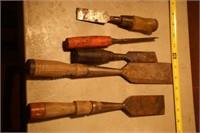 Box of wood chisels 12+pcs