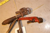 4 small pipe wrenches - Rigid & others