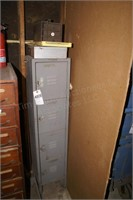 small square grey lockers / 4 drawer