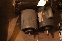 2 electric motors & crate of pulleys