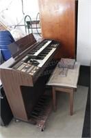 Hammond Super M-2000 Electric Organ