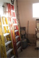 Fiberglass folding 8' step ladder