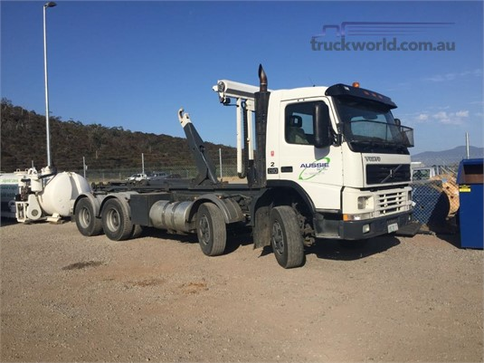 2000 Volvo FM290 - Trucks for Sale