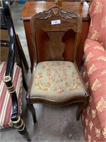 ANTIQUE WOOD CHAIR W NEEDLEPOINT CUSHION