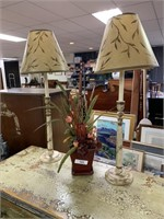 LOT OF MISC LAMPS / DECOR