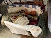 LARGE LOT OF LINENS PLACE MATS MORE