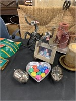 LOT OF MISC DECOR AND MORE