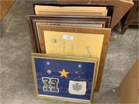 LOT OF MISC PLAQUES / FRAMES