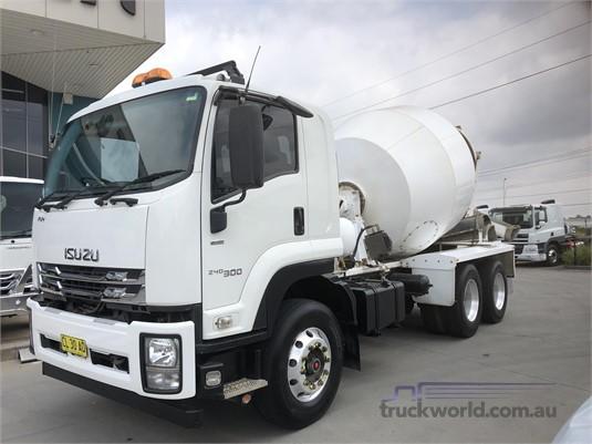 2017 Isuzu FVY Gilbert and Roach  - Trucks for Sale