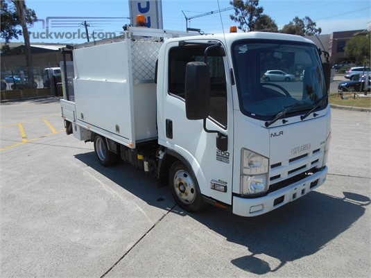 2013 Isuzu NLR - Trucks for Sale