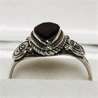 Silver Garnet  Ring (164 - JP415)   (D3)