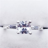 Silver Cubic Zirconia  Ring (225 - JT79)   (D2)